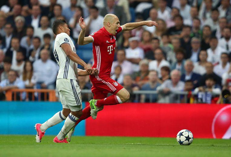 Casemiro in duel met Robben.