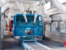 DAF doet eerst proef in België met veilig werken vanwege corona: 'Op 1,5 meter van elkaar staan aan lopende band psychisch moeilijk'