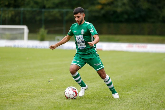 De 19-jarige spits Ali Barkellil speelt ook volgend seizoen nog voor Diegem Sport.