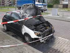 Opnieuw autobrand in Dordtse wijk Crabbehof