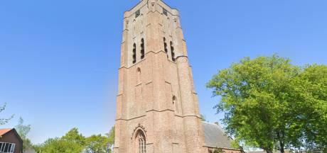 'Twee kerken onderhouden is te duur'; Oostkapelle wil een van de twee kwijt