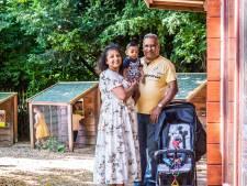 Kamla (56) is trots op haar afkomst: 'Als er iemand in nood is, staan we voor elkaar klaar. Al is het je vijand'