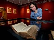 Eeuwenoude kanselbijbel uit Molenaarsgraaf terug in Dordrecht