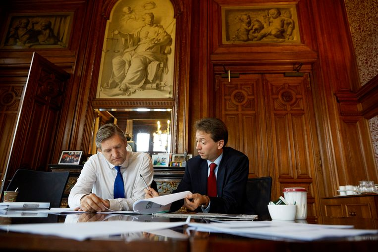 CDA-leider Sybrand Haersma Buma in zijn werkkamer, archieffoto. Beeld Anp