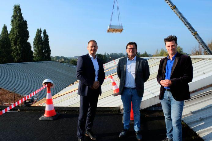 Jean-Jacques Delmée van Eneco, burgemeester van Willebroek Eddy Bevers en Koen De Bock van Ecoso.