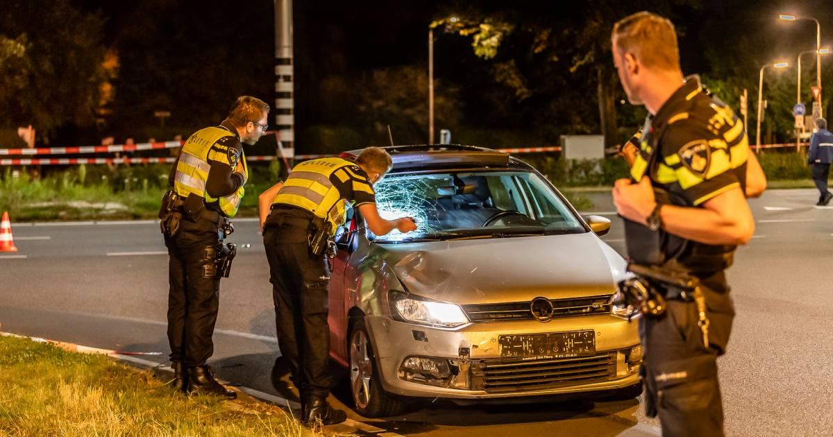 Twee gewonden bij ernstig ongeval met scooter en auto in Tilburg.
