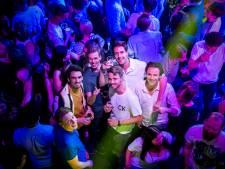 Rotterdam geniet van 'ouderwetse' stapavond: 'Ik ben het dansen erg verleerd'