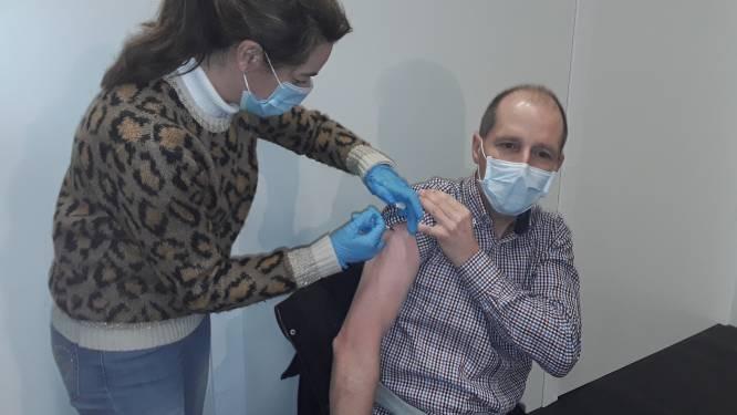 20 zorgverleners van Zedelgem en Jabbeke halen eerste vaccin niet op, 180 anderen wel