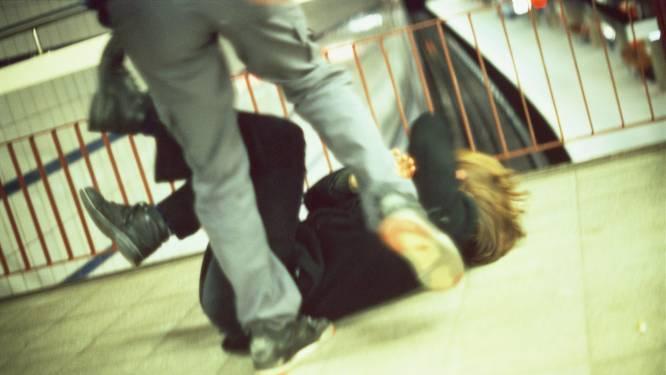 Nijmeegse kopschoppers die Arnhemmer belaagden moeten de cel in, 'poging doodslag' vindt de rechter