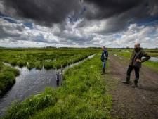 Boer Karel zorgt samen met Natuurmonumenten voor behoud weidevogels in De Wieden: 'Voordeel voor ons allebei'