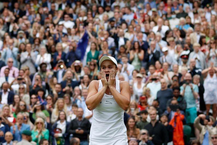 Ashleigh Barty viert haar overwinning. Beeld AFP