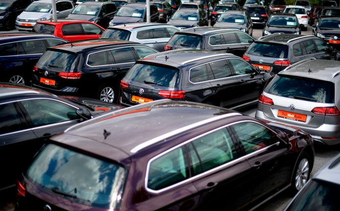 Voorraad tweedehands Volkswagens bij een dealer in Dortmund