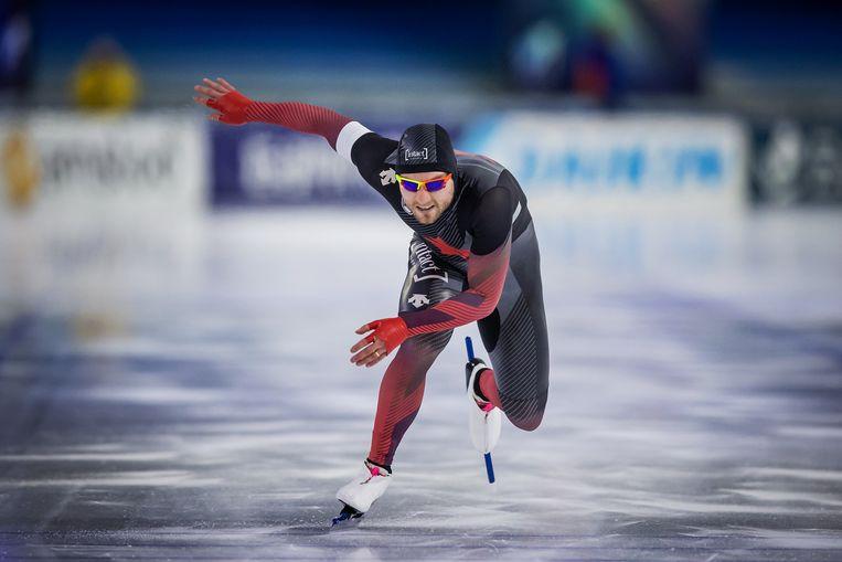 De Canadees Laurent Dubreuil tijdens het eerste wereldbekerweekend van dit coronaseizoen in Heerenveen, waar hij zilver won op de 500 meter. Beeld International Skating Union