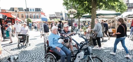 Markt Winterswijk is weer als vanouds, mét Duitsers: 'De vis heb ik niet gemist, de sfeer wel'