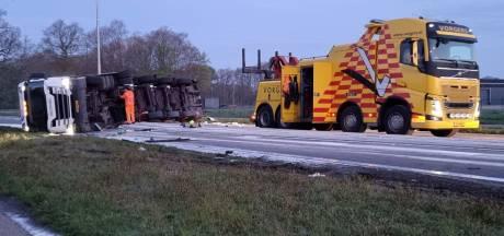 Melkvrachtwagen gekanteld tussen Delden en Goor, N346 weer vrijgegeven