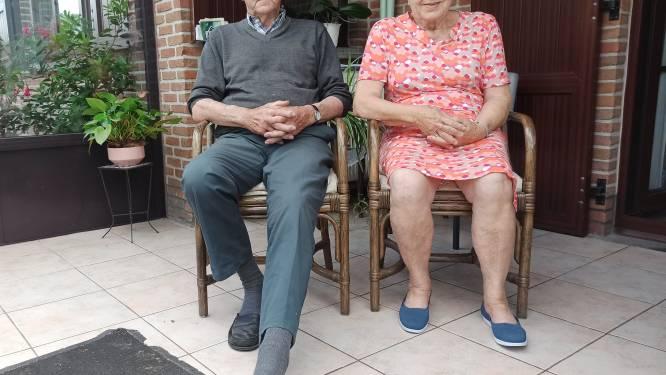 """Bejaard koppel verijdelt overval op eigen huis: """"Toen hij zijn voet stiekem tussen de deur stak, wist ik dat er iets niet pluis was"""""""