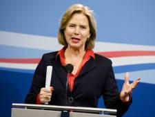 Omstreden overstap Van Nieuwenhuizen: van minister tot lobbyist. 'Sorry, ik vind dit dus niet kunnen'