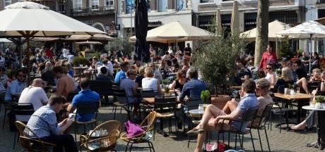 De terrasjes zijn alleen in Amsterdam nóg duurder