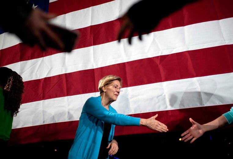 Ook Elizabeth Warren wierp vanmiddag de handdoek. Beeld AFP