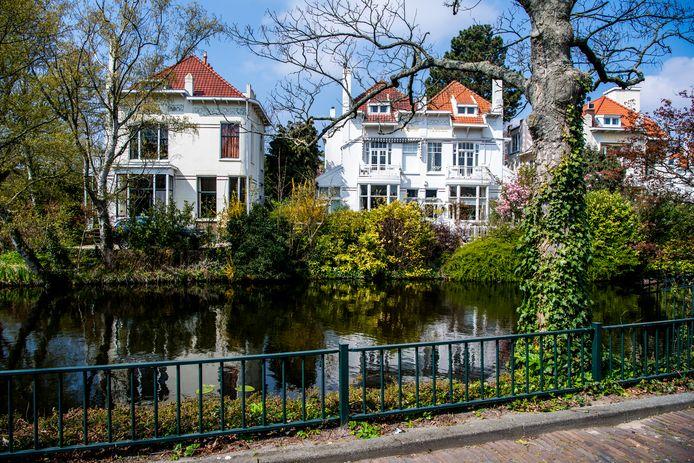De Vijverlaan is in Rotterdam nog steeds de straat met de duurste huizen. Ze zijn gemiddeld stuk voor stuk bijna 1,75 miljoen euro waard.