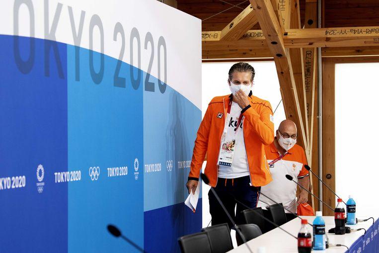 Chef de mission Pieter van den Hoogenband en technisch directeur Maurits Hendriks. Beeld ANP