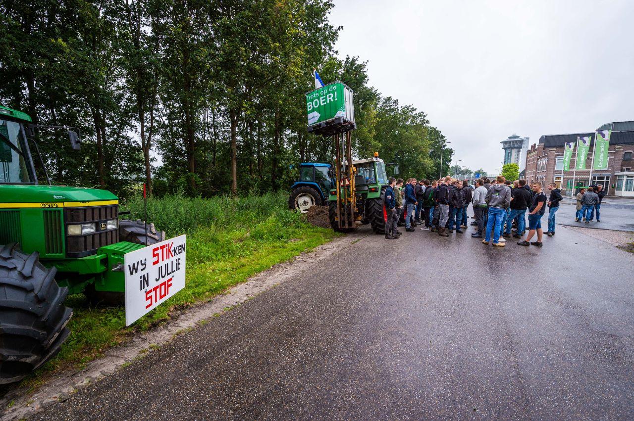 De boeren verkozen De Eendracht bij de Lichtmis als plek om te demonstreren.