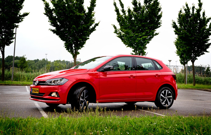 Qua design kun je de auto moeilijk vernieuwend noemen; toch blijft de Volkswagen Polo een onweerstaanbare magneet voor de consument.