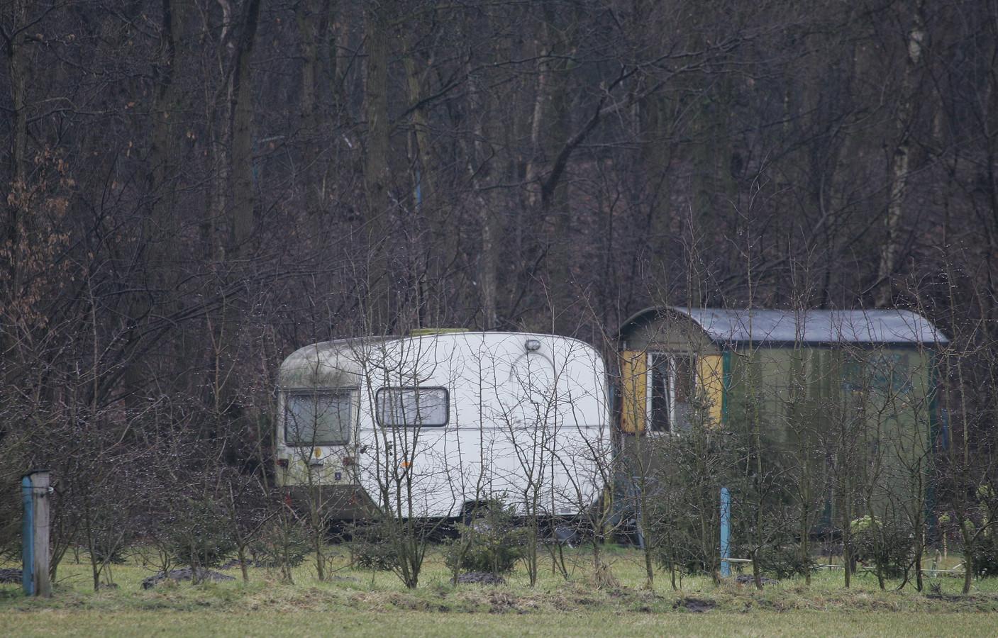 De Wijhese gebroeders Mosterd moesten eerder op last van de gemeente Raalte 'bouwwerken' op hun terrein aan de Twentseweg in Heino verwijderen.
