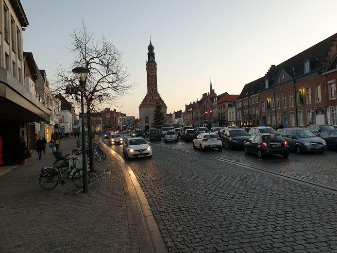 De Grote Markt zal gefaseerd parkeervrij worden.