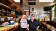 Cafégangers vieren 40 jaar café Sint-Antonius, en meteen ook 65ste verjaardag van uitbaatster Marie-Anne
