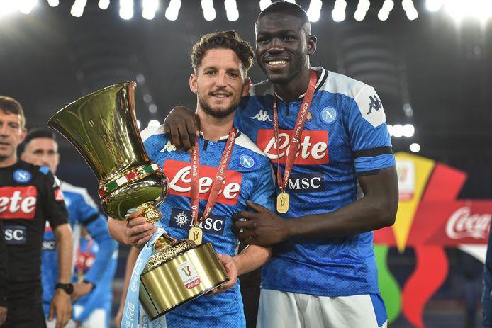 Premier trophée commun pour Dries Mertens et Kalidou Koulibaly.