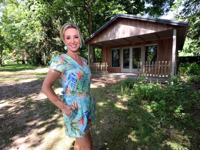 """BINNENKIJKEN. Het idyllische zomerhuis van Kathleen Aerts: """"Onze boerderij was bijna een parenclub geweest"""""""
