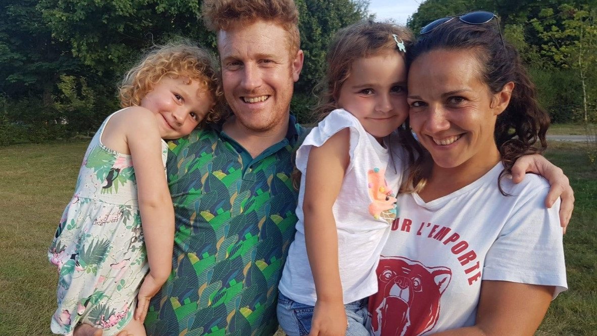 Lien Warmenbol, Piet Van der Vliet en hun twee dochters.