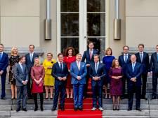 Nieuwe regering als popgroep: de bordesscène van tel tot tel
