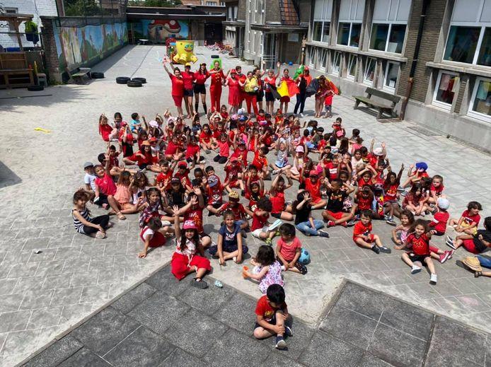 SBS Kinderkoppen Vilvoorde doet mee aan de #REDCHALLENGE