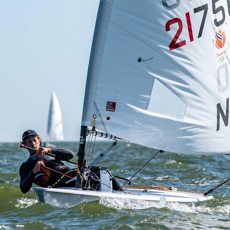 Paul Hameeteman in actie op het water voor Medemblik tijdens de open NK.  Beeld ANP/Ronald Hoogendoorn