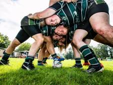 Rugbysters uit heel Nederland 'warmen op' bij Deventer Pickwick Players: 'Mijn hele sociale leven draait om het rugby'