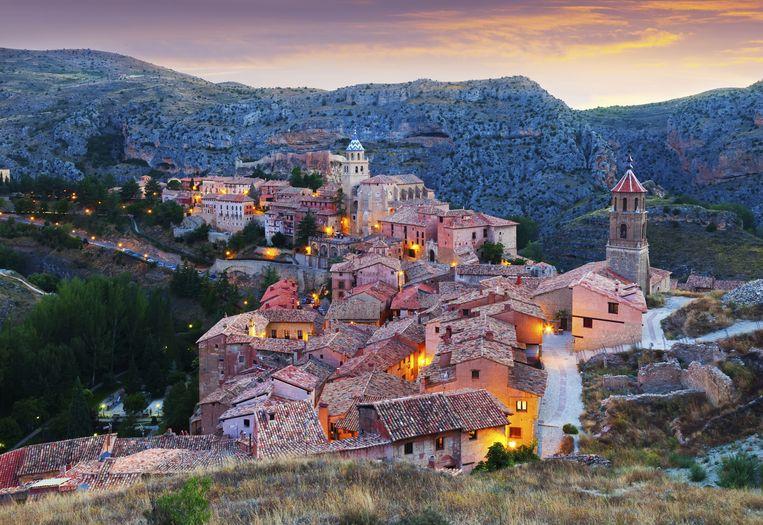 Het Spaanse stadje Albarracin telt amper 1.100 inwoners, maar werd in 1961 uitgeroepen tot Nationaal Monument en komt zelfs in aanmerking voor de lijst van Unesco Werelderfgoed. Beeld THINKSTOCK