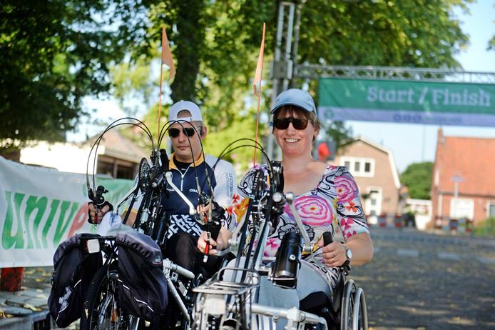 Florus Terhalle (40) en zijn vriendin Roos Adolfsen (34)