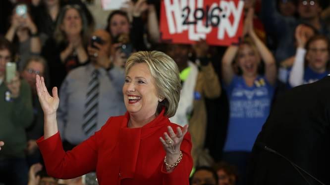 Hillary Clinton wint met miniem verschil van Bernie Sanders