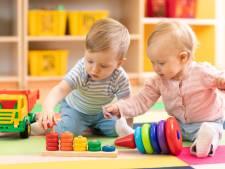 Wat is beter, je baby op de crèche of thuis? Experts geven antwoord