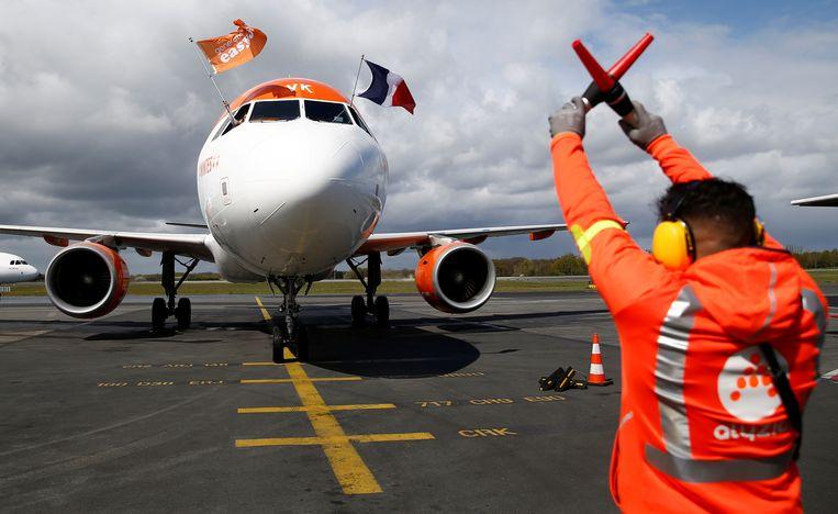 Een Airbus A320-214 van Easyjet landt in Nantes. Beeld Reuters