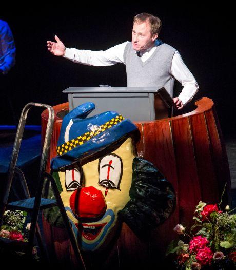 Marcel Diepenmaat als Rinus Rust in Twents Buutfestival: 'Kwartier is minder lang als publiek veel lacht'