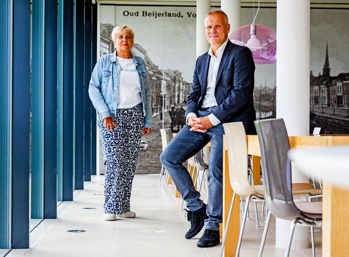 Woonconsulent Ellen van den Boogaard en directeur-bestuurder Dennis Lausberg van HW Wonen.
