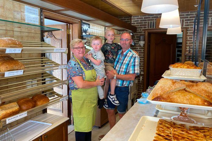 Vanaf 5 juli zullen Krista De Cock en Marc D'Haemers van de bakkerij langs de Langemunt in Aaigem meer tijd hebben om van kleinkinderen Maxim (2,5) en Axel (6) te genieten.