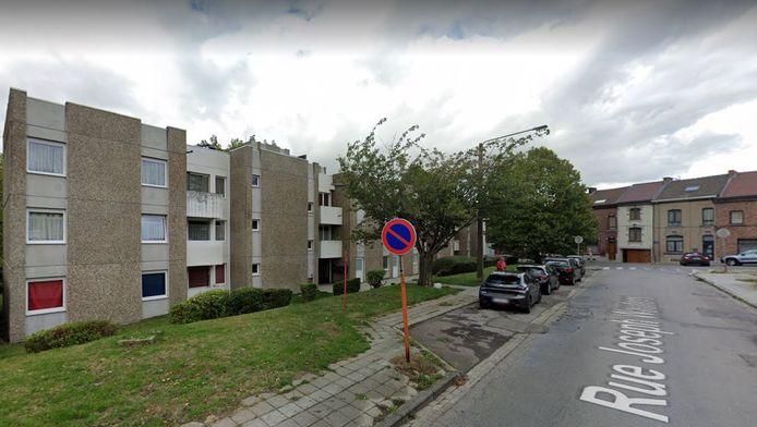 L'immeuble de la rue Joseph Wauters à Charleroi a été sujet à un incendie à cause de squatteurs.