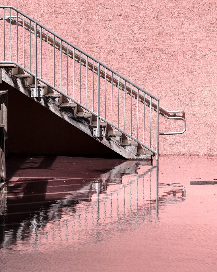 Anastasia Samoylova, Staircase at King Tide, Hollywood, Florida. Beeld Galerie Caroline O'Breen
