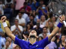 Djokovic houdt jonge Amerikaan met moeite van zich af en bereikt kwartfinale US Open