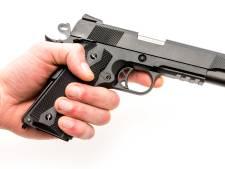 Politie trekt wapen bij aanhouding 21-jarige Gorcumer