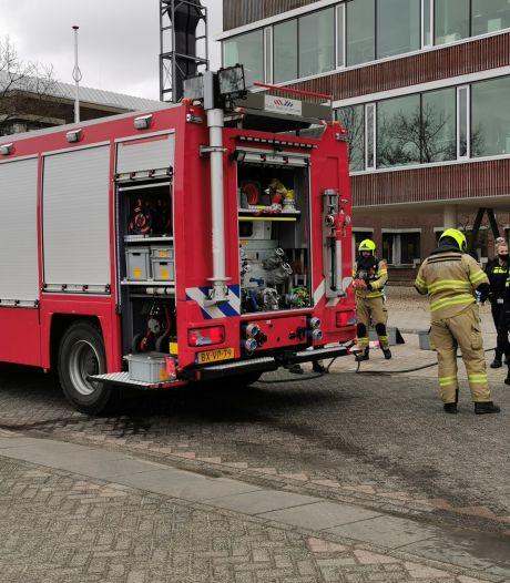 Jerrycan bij lift Wageningen Universiteit gaat stuk: vier personen in aanraking met milieugevaarlijke stof